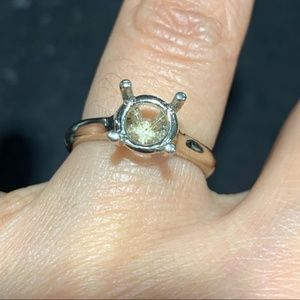 Jewelry - 14k white gold Solitaire Round 1.5ct setting only